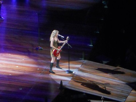 "Taylor Swift ""Live"" in Concert"