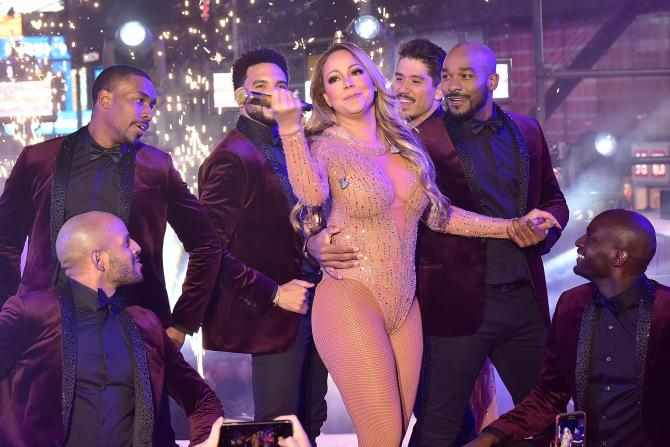 NEW+YORK%2C+NY+-+DECEMBER+31%3A++Mariah+Carey+performs+during+the+New+Year%27s+Eve+Countdown+at+Times+Square+on+December+31%2C+2016+in+New+York+City.++%28Photo+by+Eugene+Gologursky%2FGetty+Images+for+TOSHIBA+CORPORATION%29+ORG+XMIT%3A+683720771